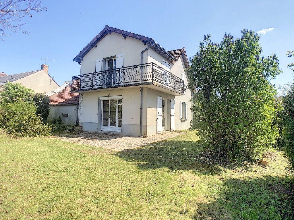 Maison à vendre 6 162m2 à Vallon-en-Sully vignette-1