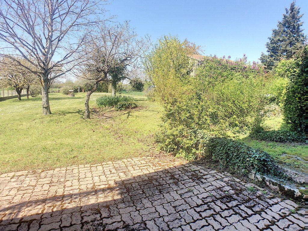 Maison à vendre 6 162m2 à Vallon-en-Sully vignette-3