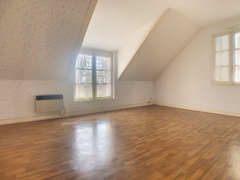 Maison à vendre 6 162m2 à Vallon-en-Sully vignette-9