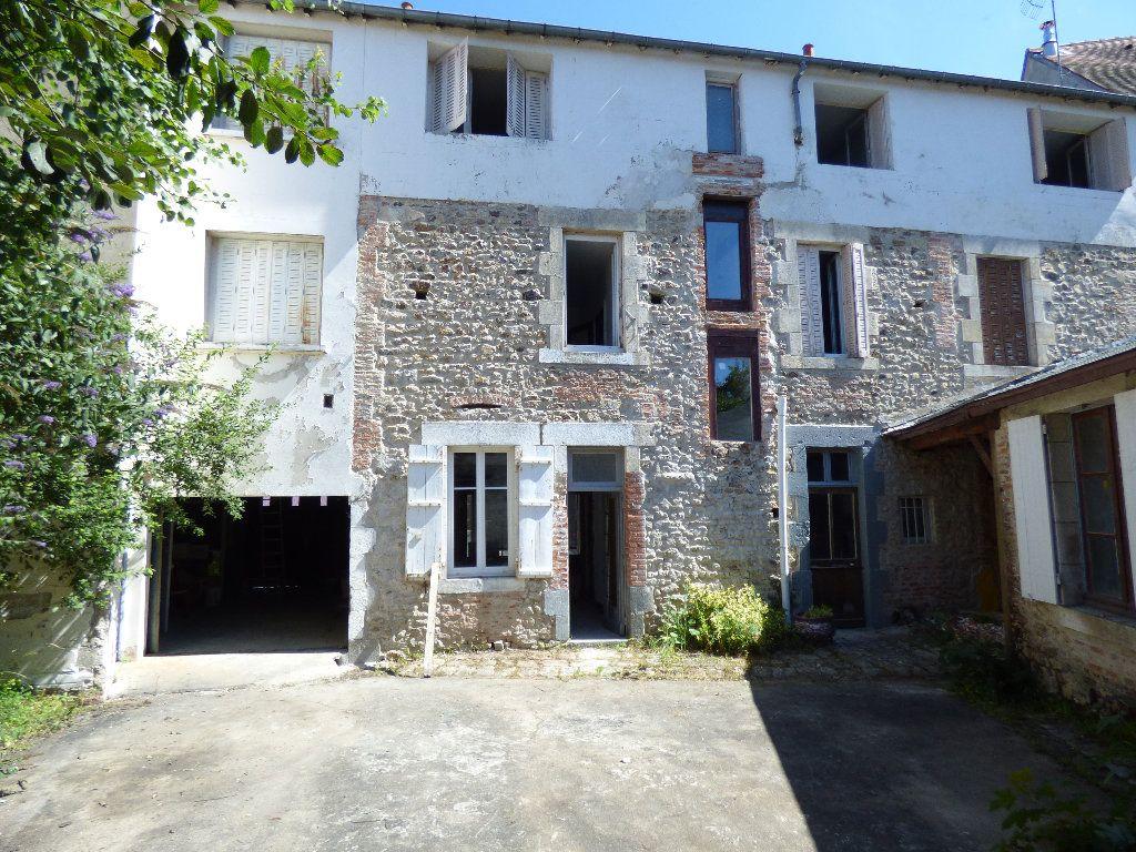 Maison à vendre 12 315m2 à Évaux-les-Bains vignette-1