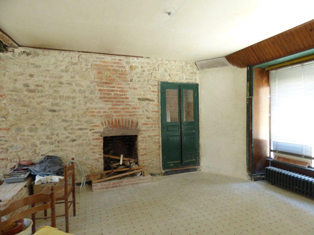Maison à vendre 12 315m2 à Évaux-les-Bains vignette-5