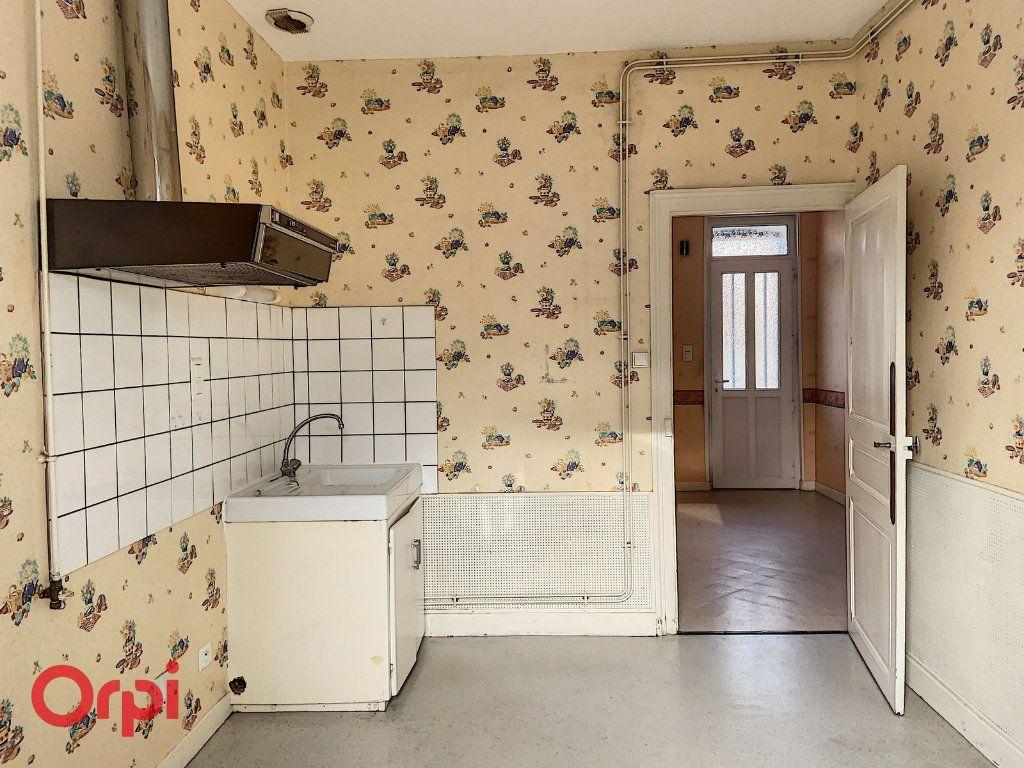 Maison à vendre 3 50m2 à Montmarault vignette-2