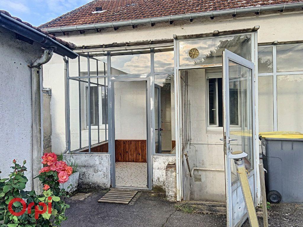 Maison à vendre 3 50m2 à Montmarault vignette-9