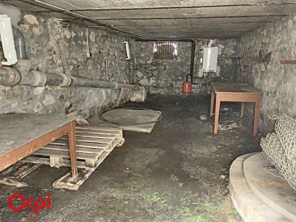 Maison à vendre 3 50m2 à Montmarault vignette-11