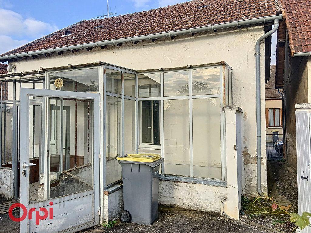 Maison à vendre 3 50m2 à Montmarault vignette-12