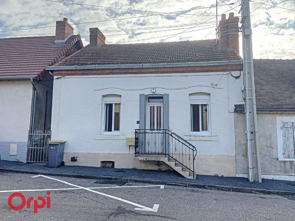 Maison à vendre 3 50m2 à Montmarault vignette-13