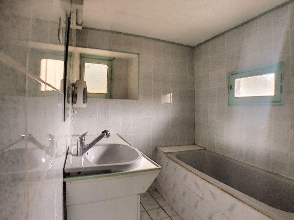 Maison à vendre 3 56m2 à Vallon-en-Sully vignette-5