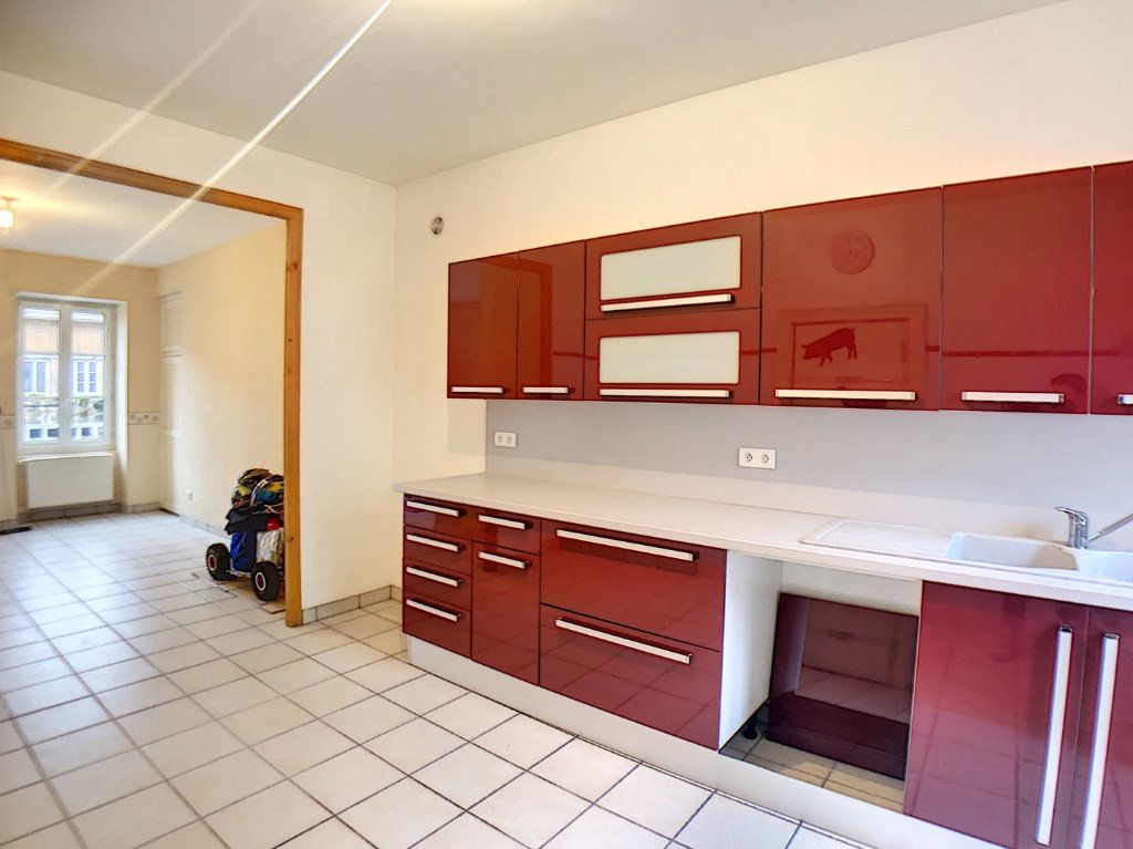 Immeuble à vendre 0 140m2 à Vallon-en-Sully vignette-4