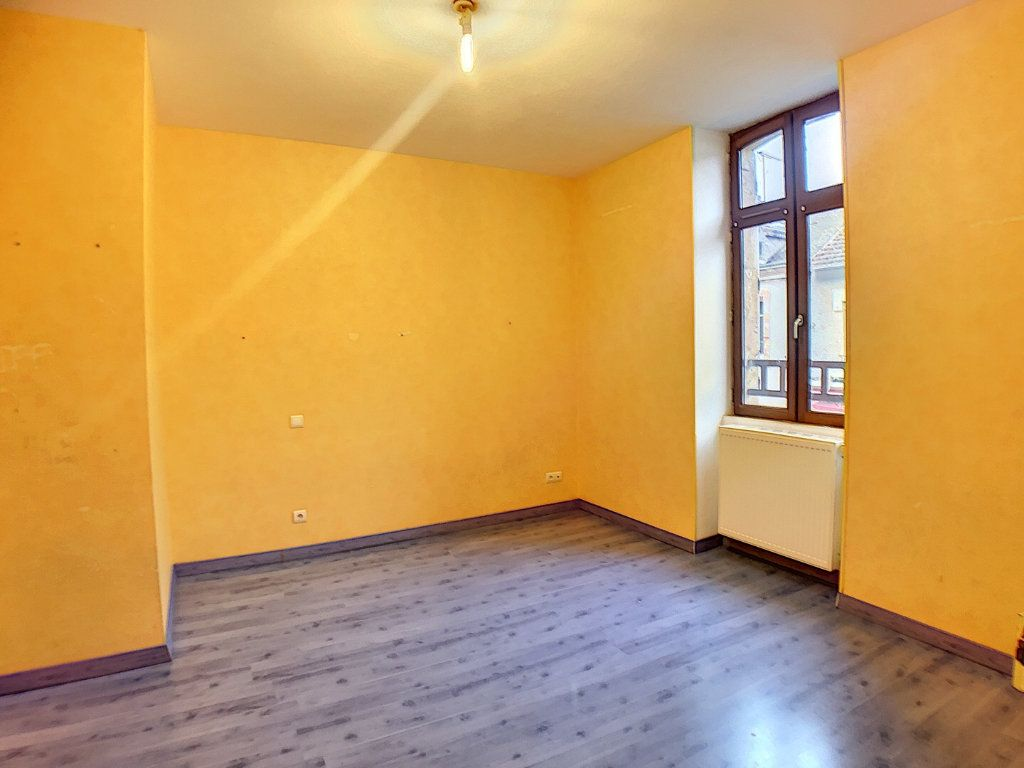 Immeuble à vendre 0 140m2 à Vallon-en-Sully vignette-8