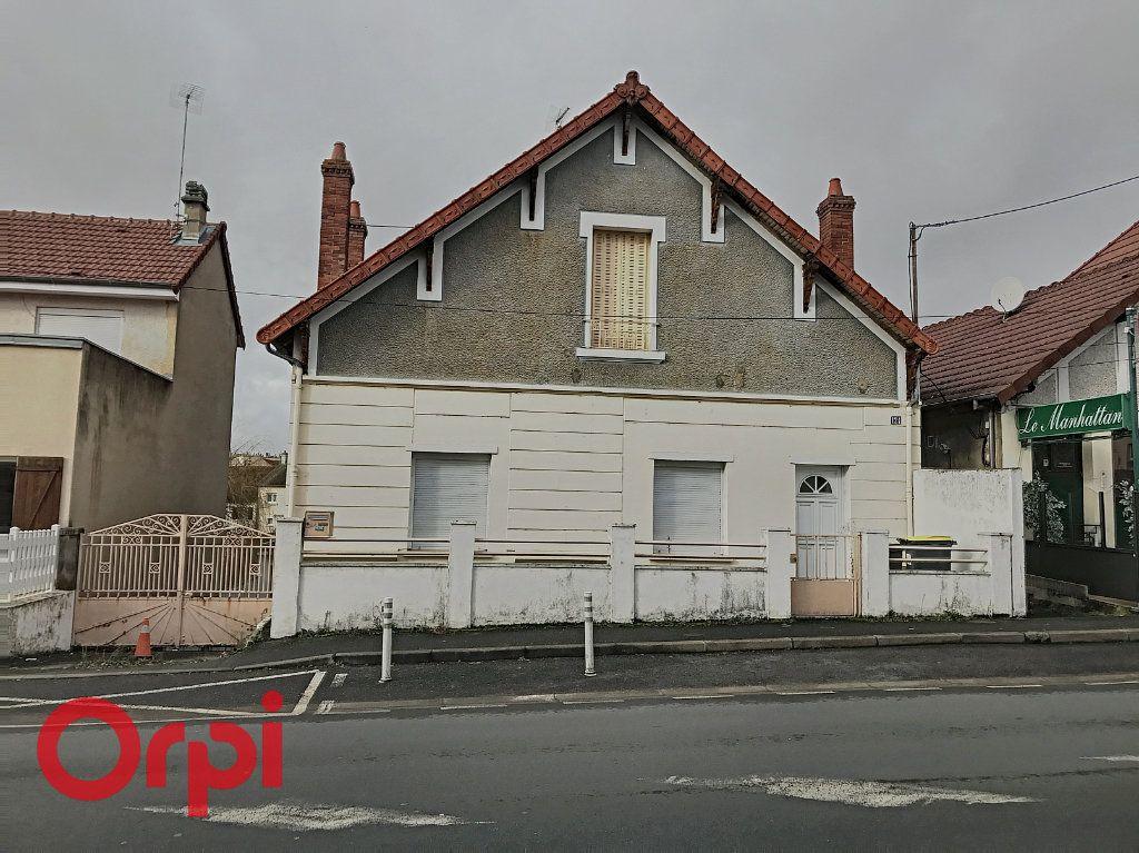 Maison à vendre 3 63.9m2 à Montluçon vignette-1