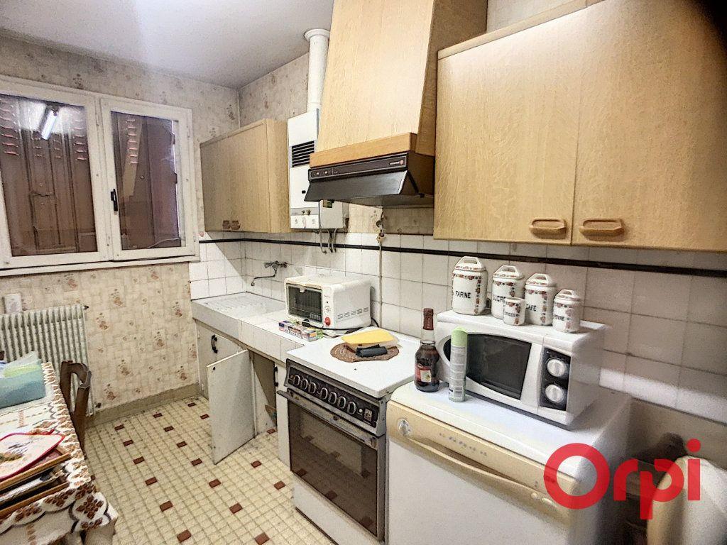 Maison à vendre 4 65m2 à Vallon-en-Sully vignette-4