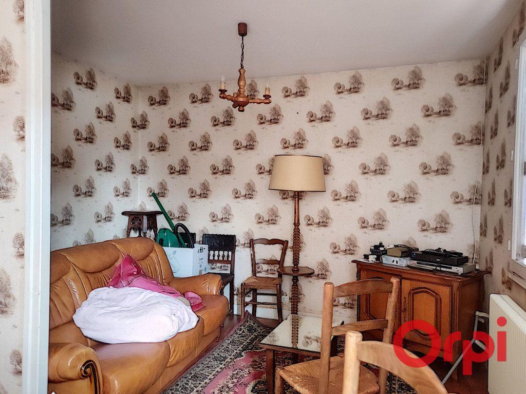 Maison à vendre 4 65m2 à Vallon-en-Sully vignette-5