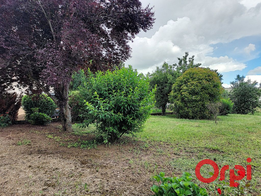 Maison à vendre 4 65m2 à Vallon-en-Sully vignette-7