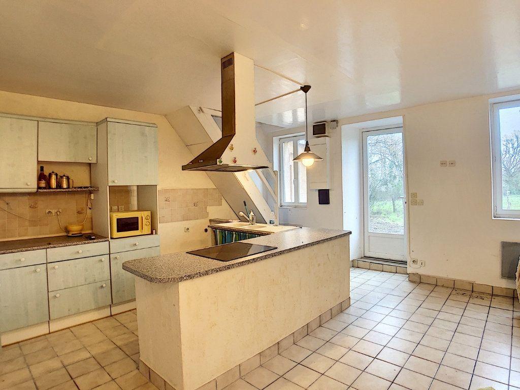 Maison à vendre 4 67m2 à Vallon-en-Sully vignette-5