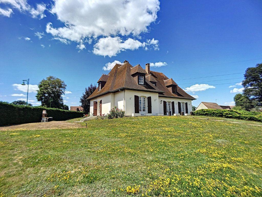 Maison à vendre 10 213m2 à Montluçon vignette-1