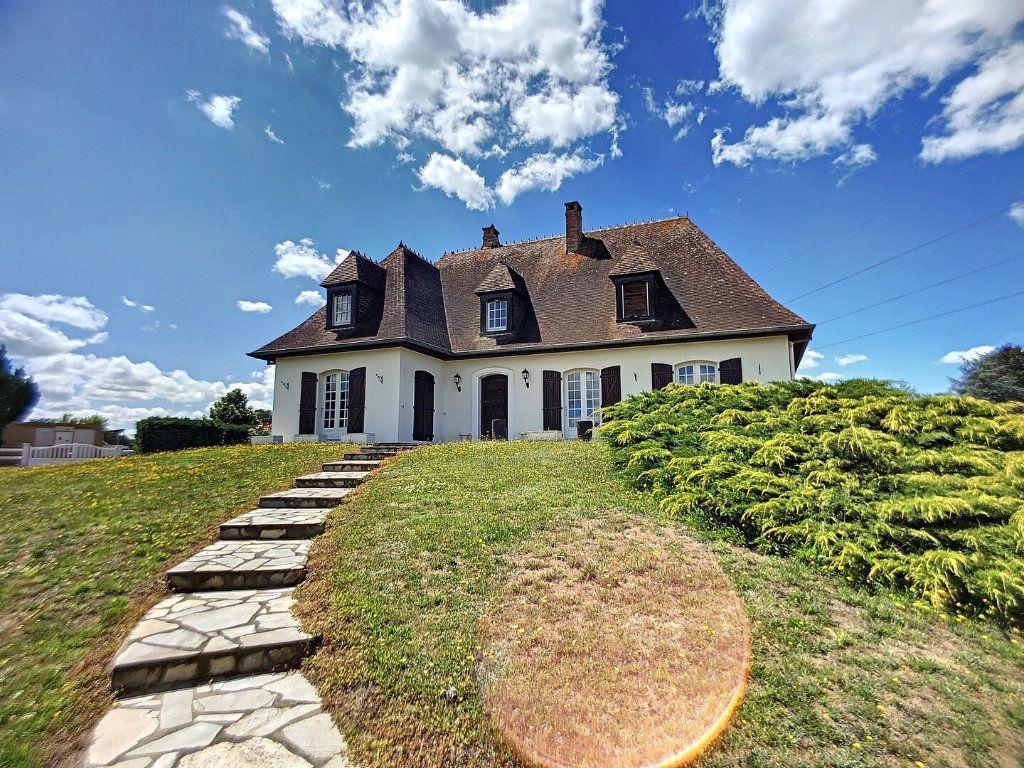 Maison à vendre 10 213m2 à Montluçon vignette-2