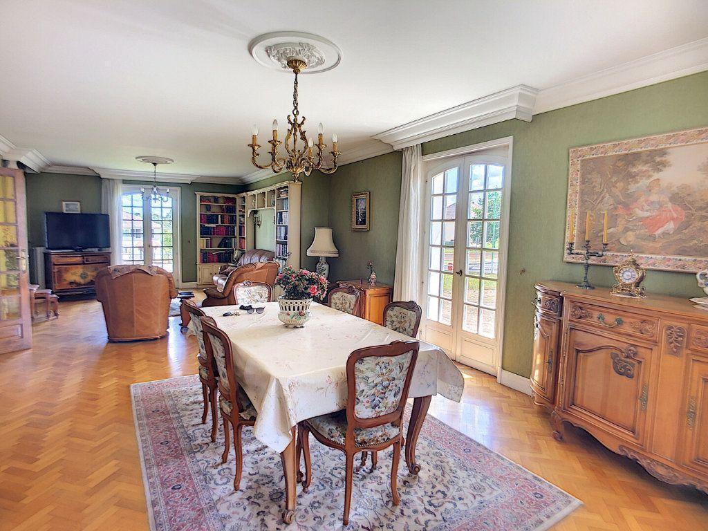 Maison à vendre 10 213m2 à Montluçon vignette-3