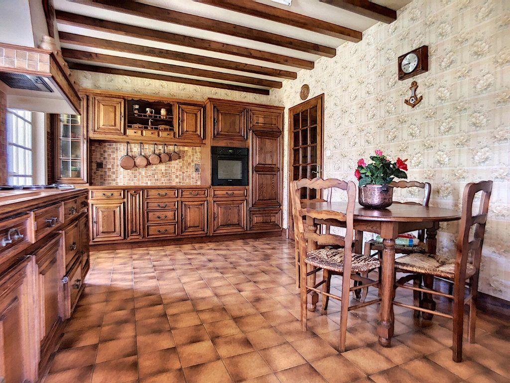 Maison à vendre 10 213m2 à Montluçon vignette-5
