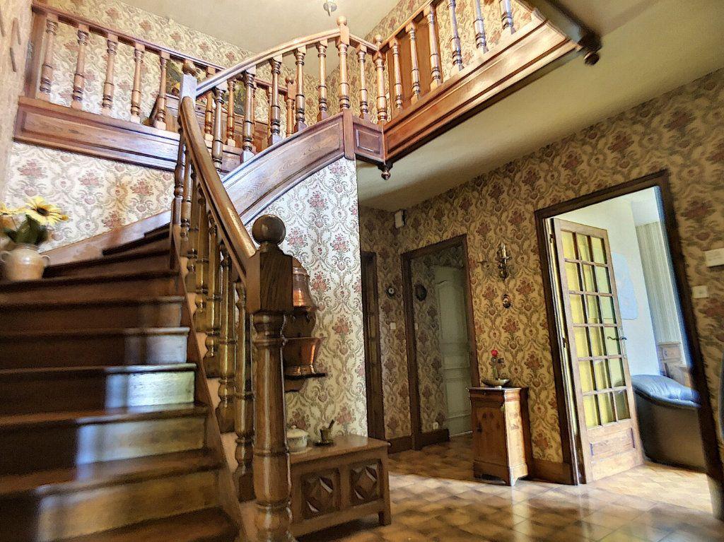 Maison à vendre 10 213m2 à Montluçon vignette-6