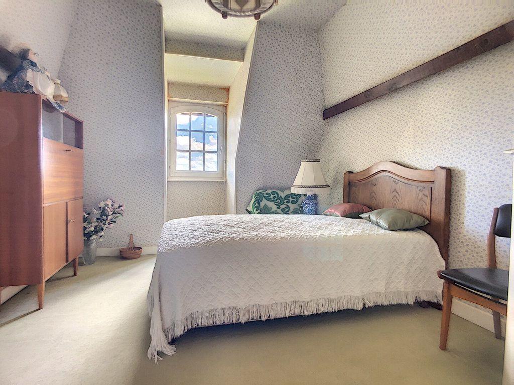 Maison à vendre 10 213m2 à Montluçon vignette-9