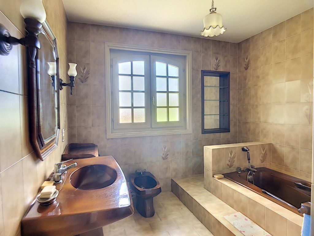 Maison à vendre 10 213m2 à Montluçon vignette-11