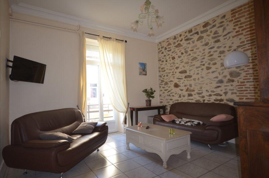 Maison à vendre 8 195.06m2 à Boussac vignette-2