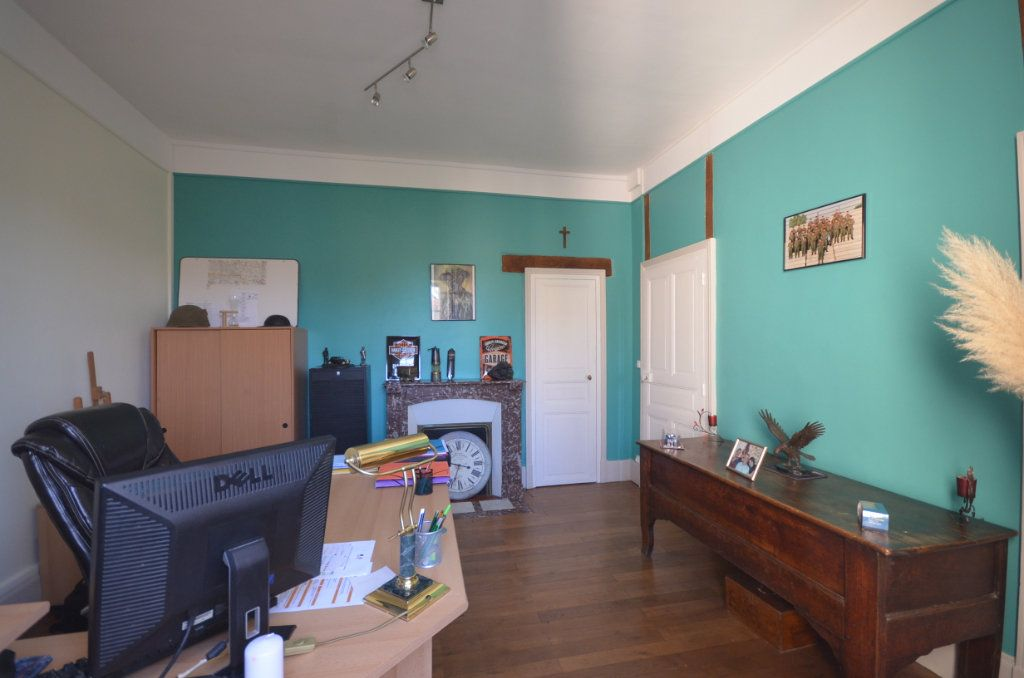 Maison à vendre 8 195.06m2 à Boussac vignette-10