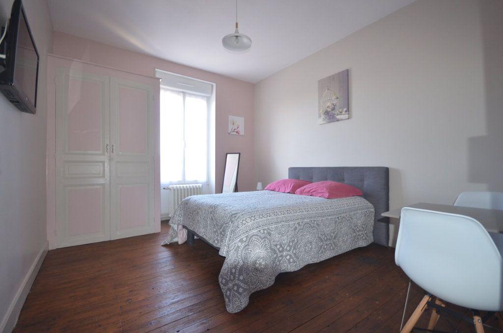 Maison à vendre 8 195.06m2 à Boussac vignette-13