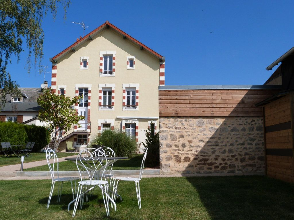 Maison à vendre 8 195.06m2 à Boussac vignette-18