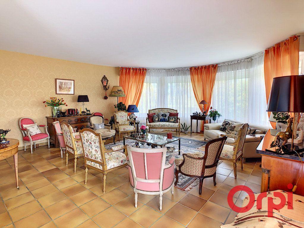 Maison à vendre 12 204.5m2 à La Chapelaude vignette-6