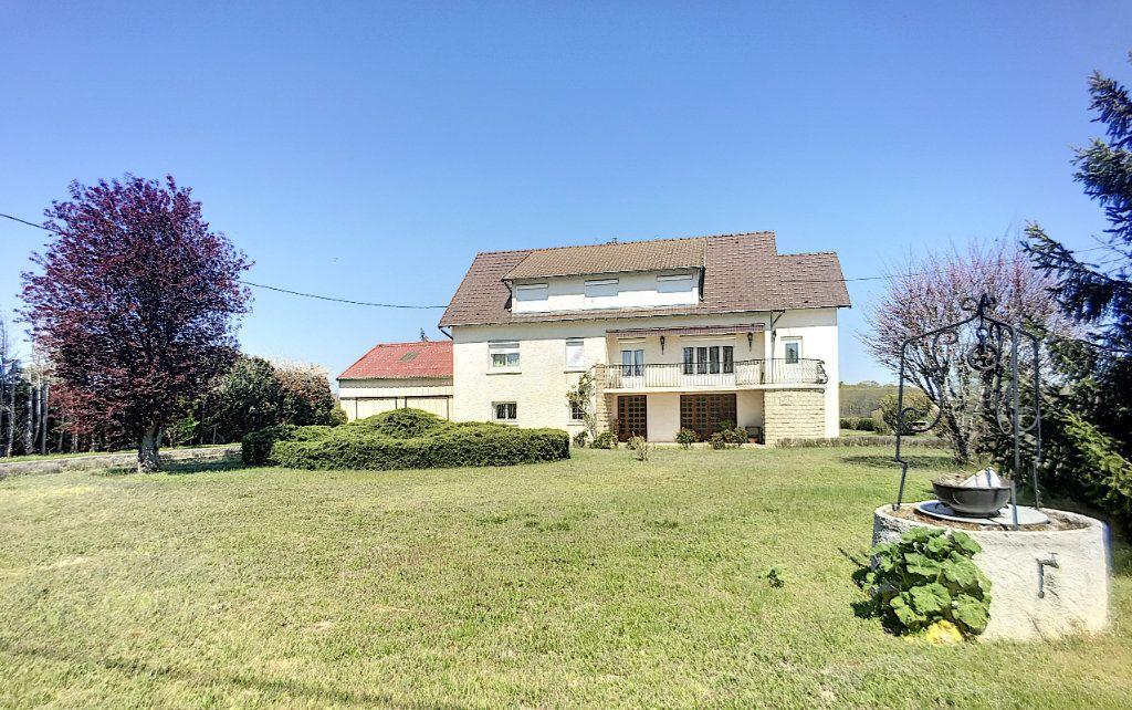 Maison à vendre 16 300m2 à Lusigny vignette-1