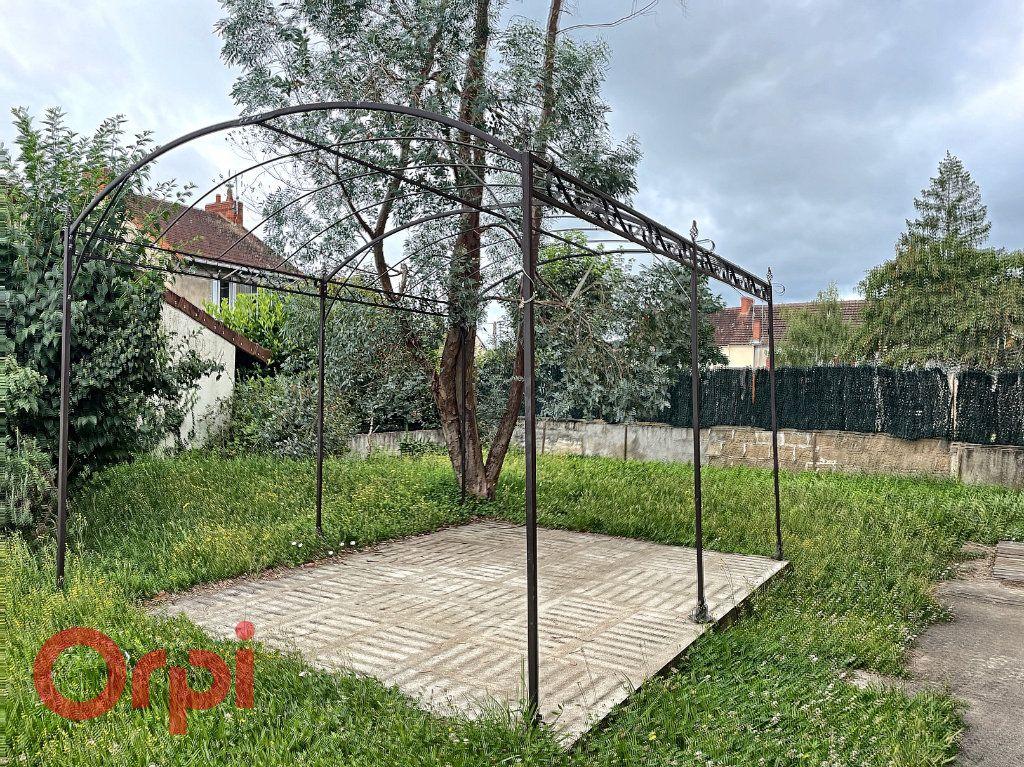 Maison à vendre 5 150m2 à Montluçon vignette-10