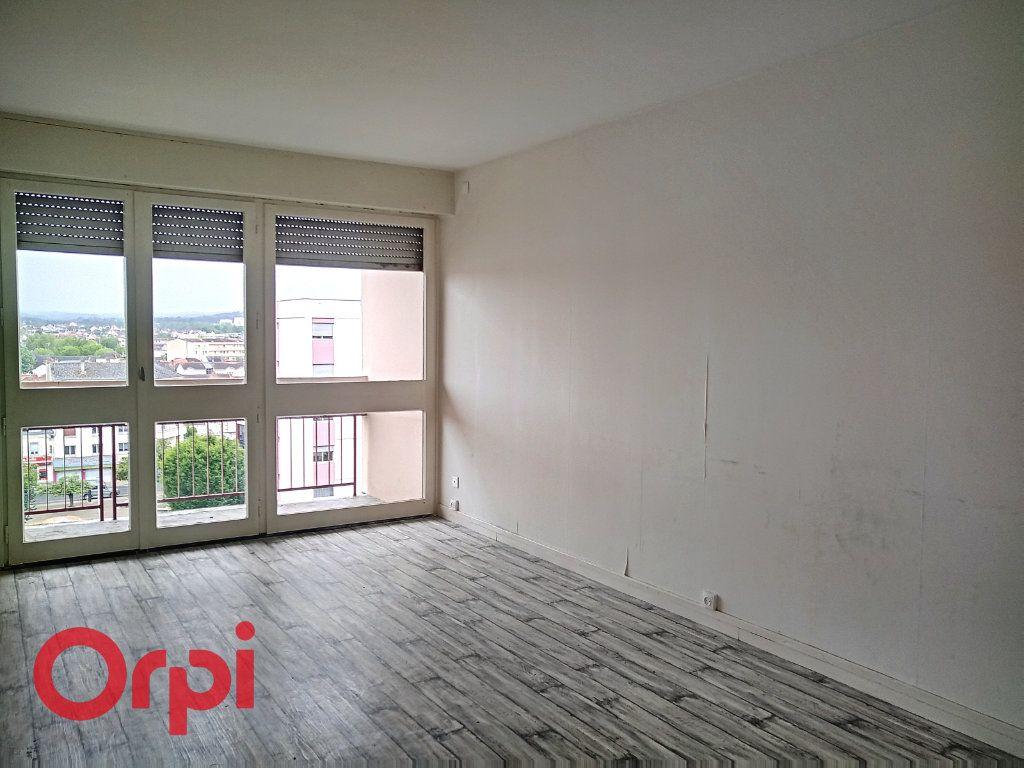 Appartement à vendre 4 80m2 à Montluçon vignette-1