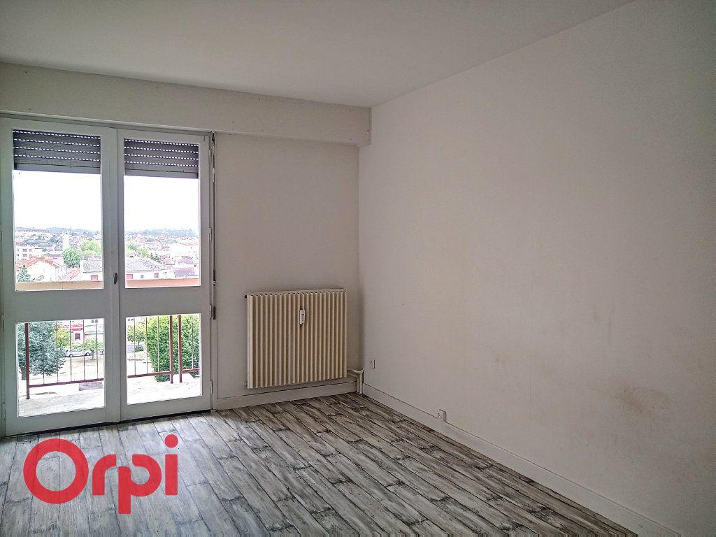 Appartement à vendre 4 80m2 à Montluçon vignette-4