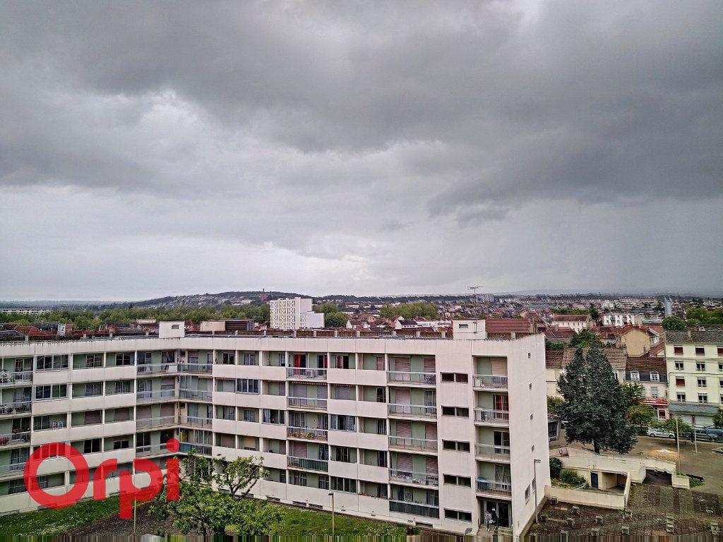 Appartement à vendre 4 80m2 à Montluçon vignette-5