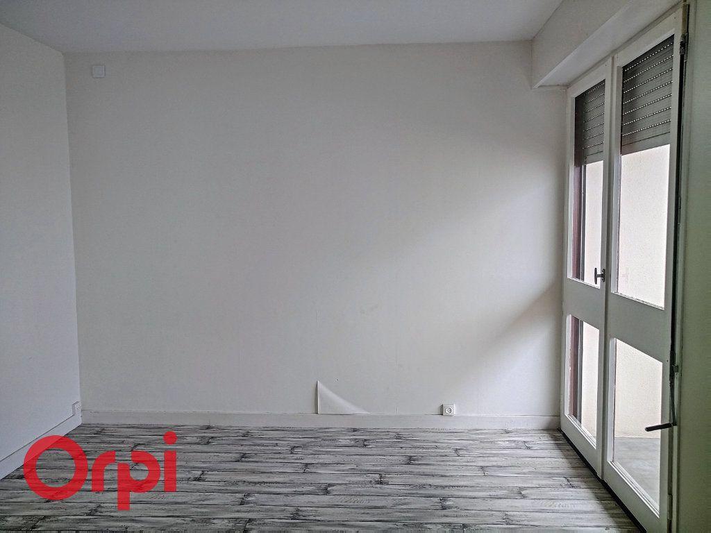 Appartement à vendre 4 80m2 à Montluçon vignette-6