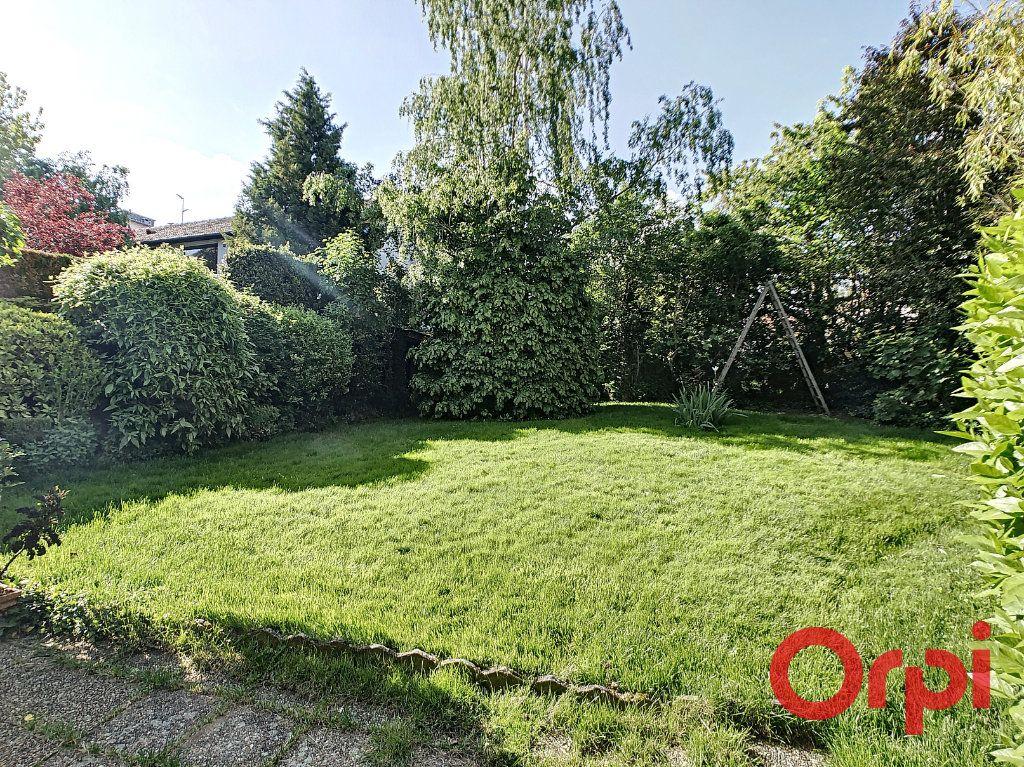 Maison à vendre 7 164.43m2 à Néris-les-Bains vignette-4