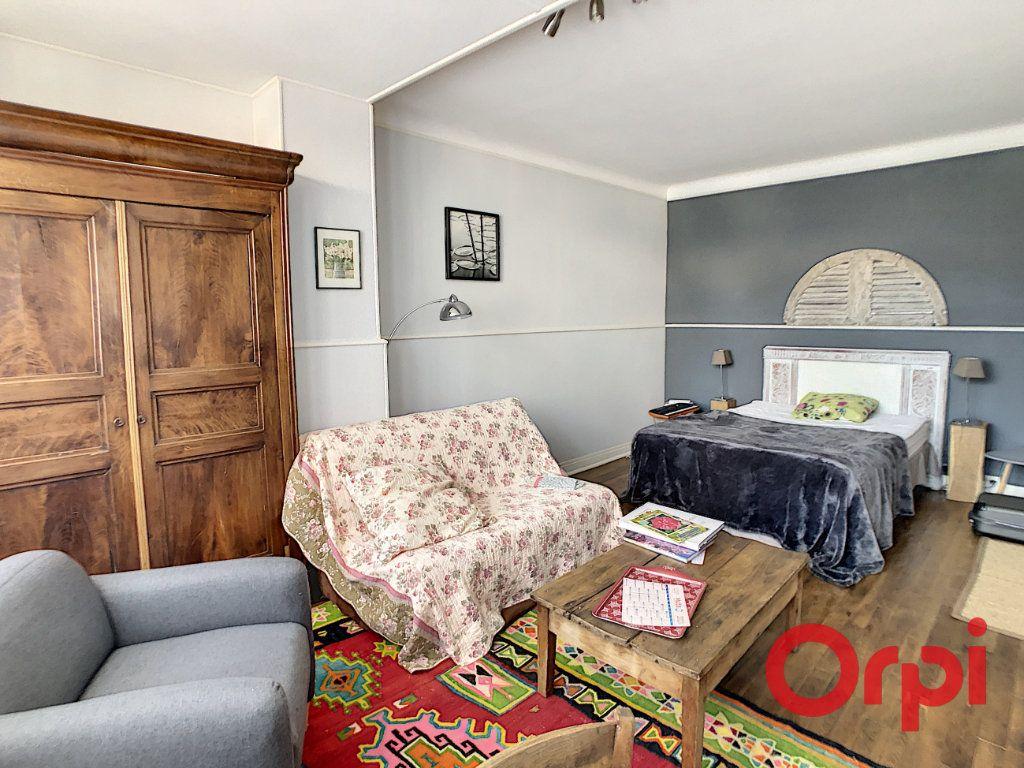 Maison à vendre 7 164.43m2 à Néris-les-Bains vignette-6