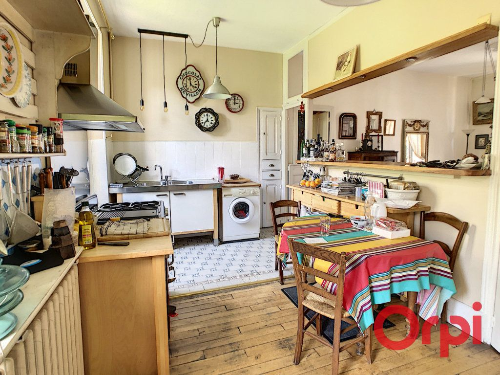 Maison à vendre 7 164.43m2 à Néris-les-Bains vignette-11