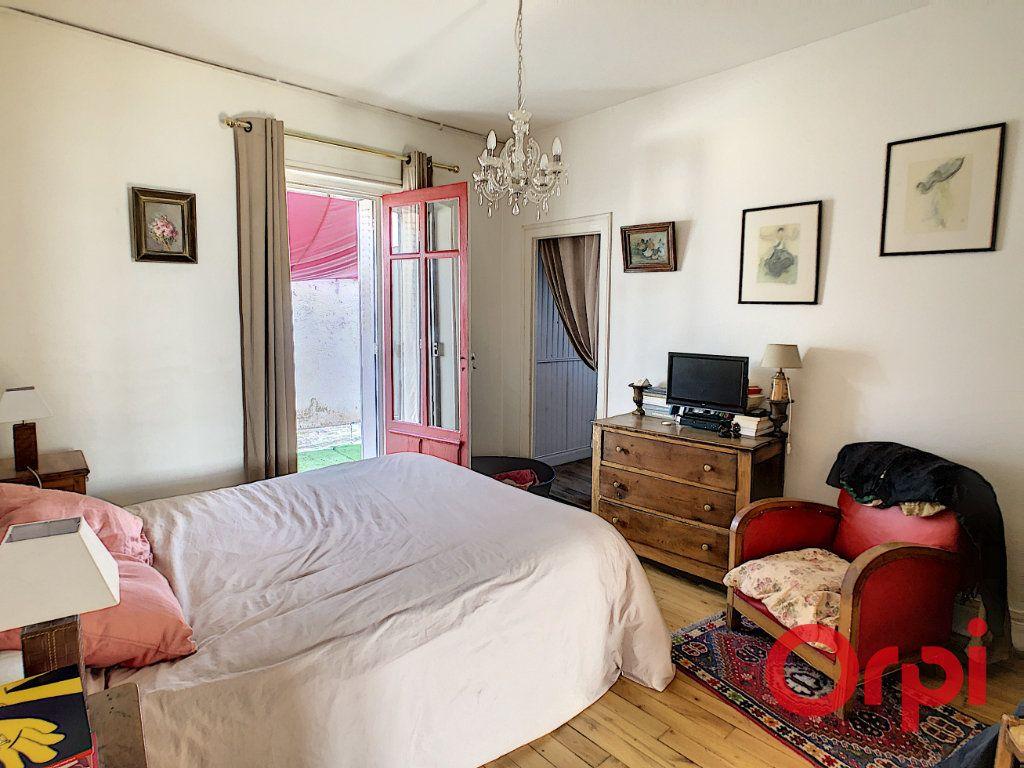 Maison à vendre 7 164.43m2 à Néris-les-Bains vignette-16