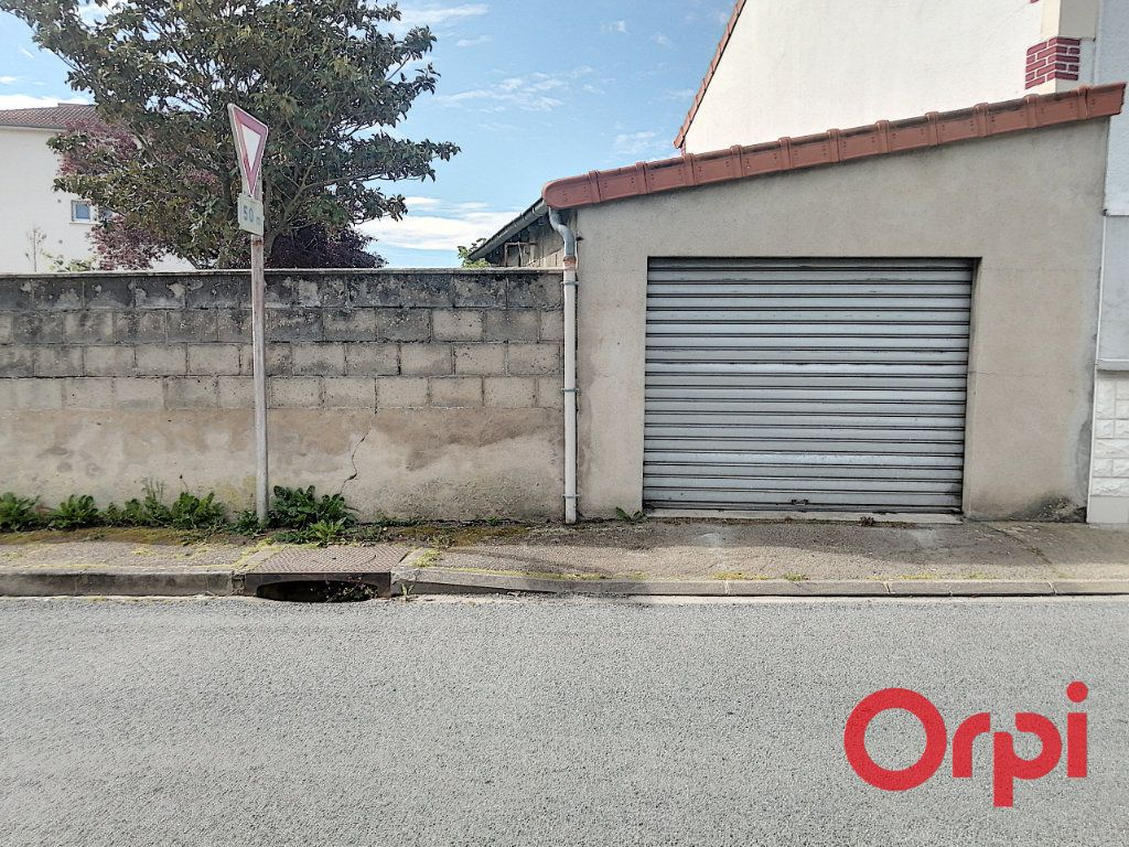 Maison à vendre 6 110m2 à Montluçon vignette-5