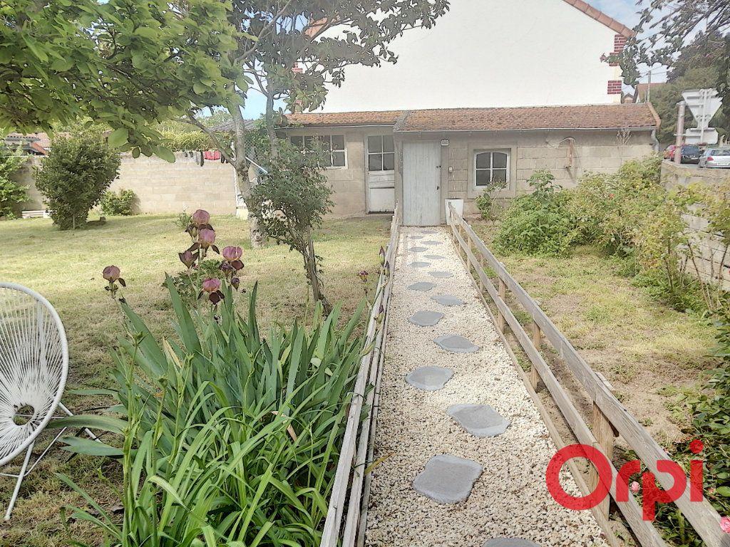 Maison à vendre 6 110m2 à Montluçon vignette-6