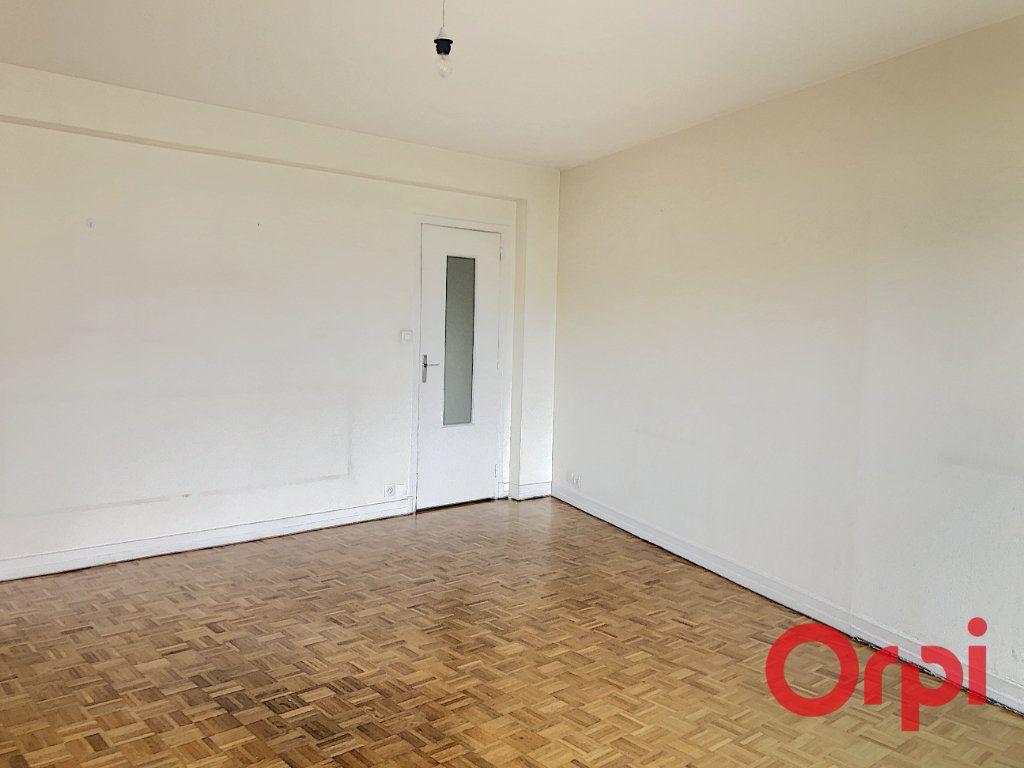 Appartement à vendre 3 73.8m2 à Montluçon vignette-3