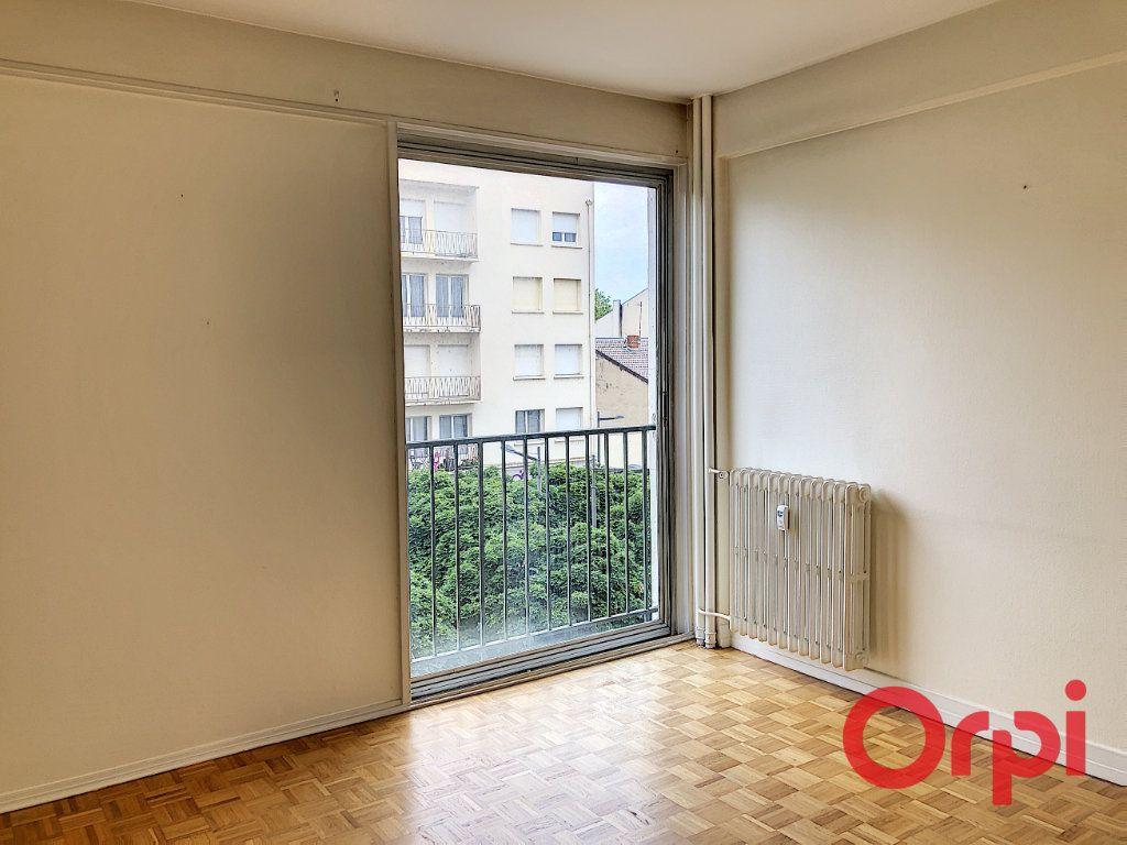 Appartement à vendre 3 73.8m2 à Montluçon vignette-7