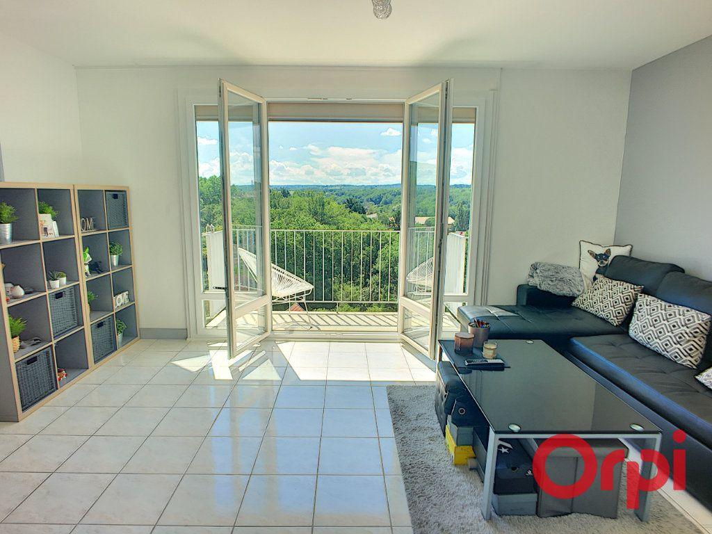Appartement à vendre 3 59m2 à Montluçon vignette-1
