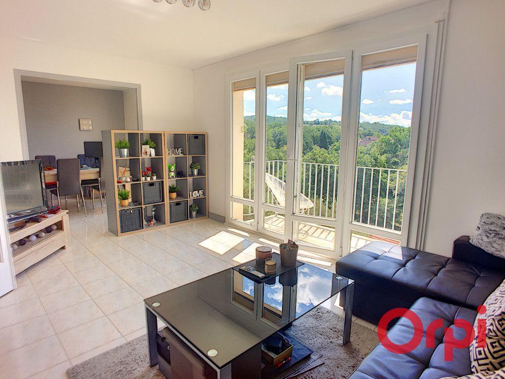 Appartement à vendre 3 59m2 à Montluçon vignette-3