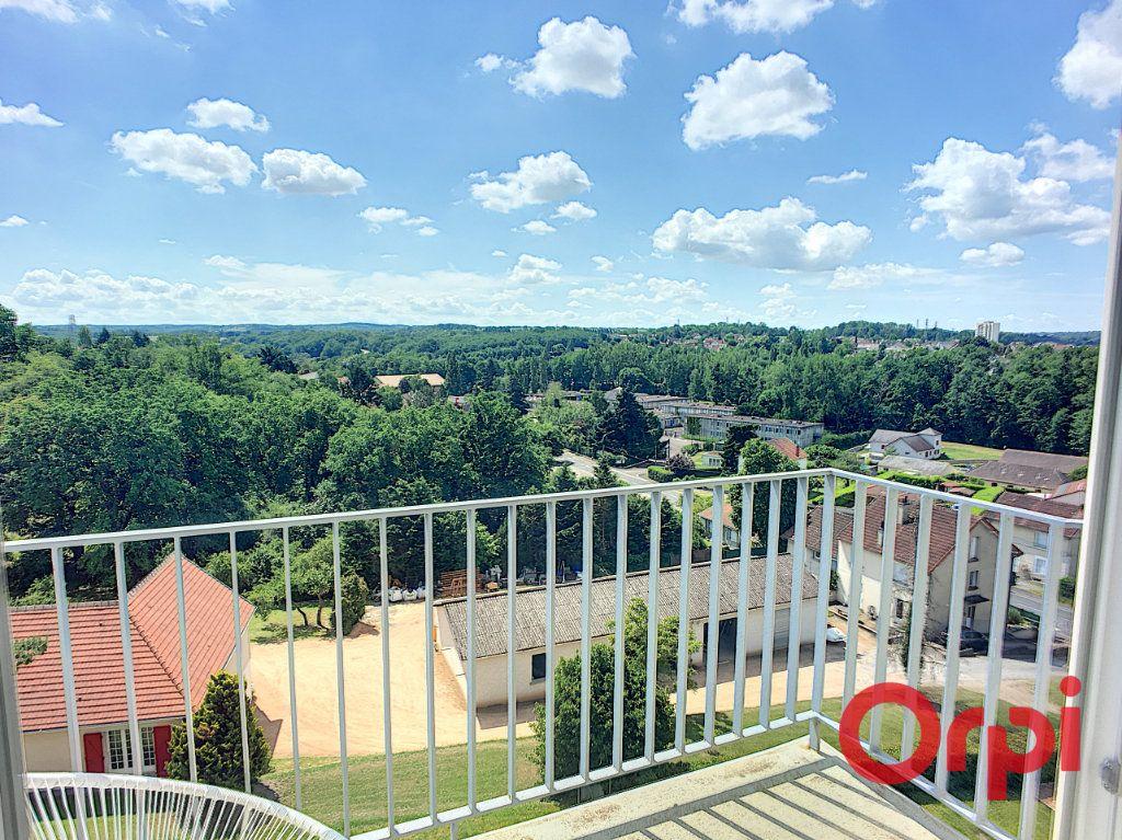 Appartement à vendre 3 59m2 à Montluçon vignette-8
