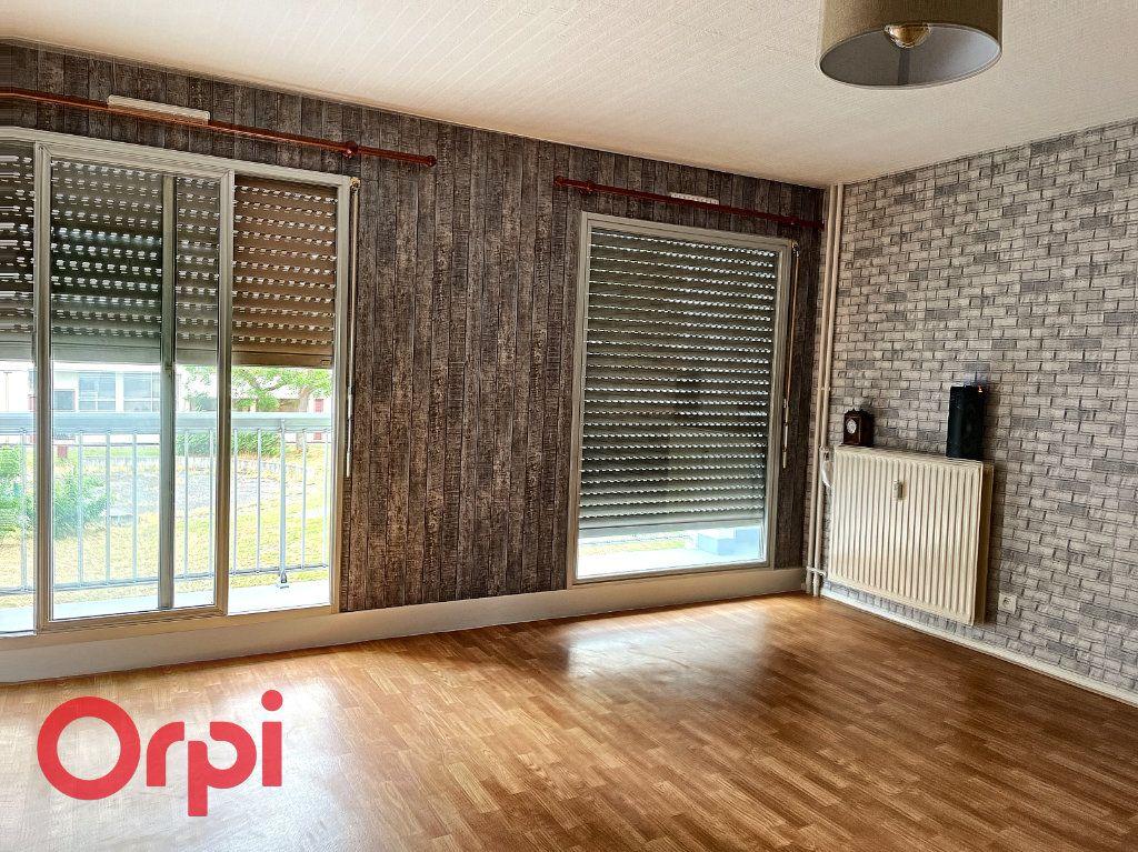 Appartement à vendre 1 35m2 à Montluçon vignette-2