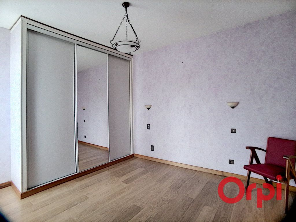 Maison à vendre 5 150m2 à Montluçon vignette-5