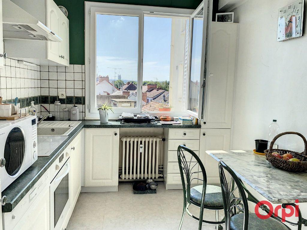 Appartement à vendre 4 87m2 à Montluçon vignette-1